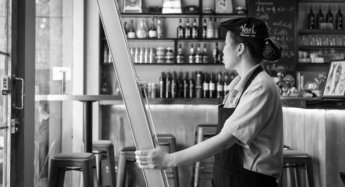 looking after employees before selling a restaurant business